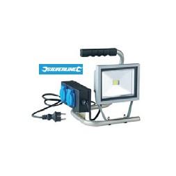 Projecteur LED portatif + 2 prises 20w - SILVERLINE